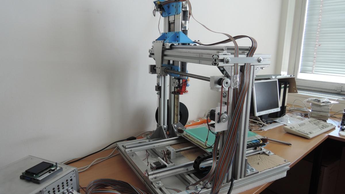 selbstgebauter 3D-Drucker  (c)